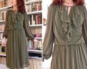 l'armée Français des années 1970 vert robe de lamé lurex or / / midi manches longues volants robe