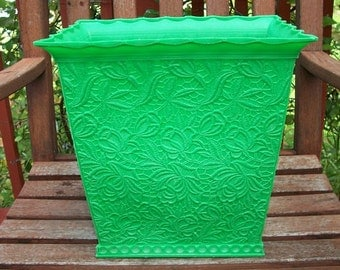 Vintage Retro Plastic Wastebasket Trash Can Waste Basket Green with Flowers and Lace Max Klein