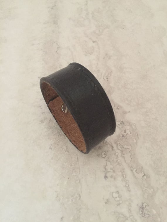 Women's Black Handmade Thin Leather Bracelet (Size 6.25 inches)
