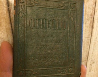 OTHELLO The Moor of Venice by William Shakespeare  - Miniature Book Little Leather Library 1920s Antique Vintage