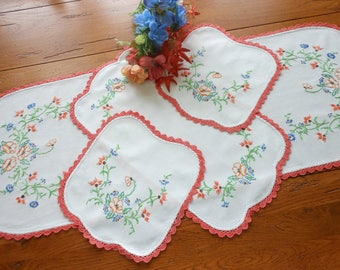 Like New 4 Piece Hand Embroidered Vintage Dresser Scarf Set Vintage Hand Embroidered Doilies Free Shipping