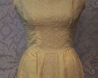 Vintage Yellow Eyelet Flower Lace Dress 50s 60s Party Dress Taffeta Lining