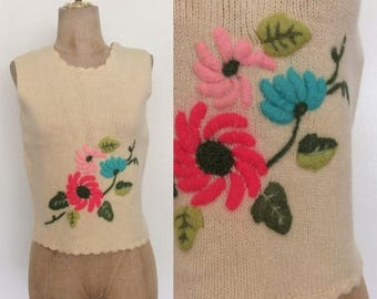 30% OFF 1970's Wool Floral Embroidered Sweater Top Size Small Medium by Maeberry Vintage