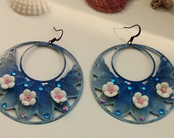 Boho round blue earrings with porcelain flowers