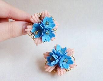 1950s 60s Pink & blue rhinestone clip on earrings / 1960s 50s featherlite plastic flower clip back earrings