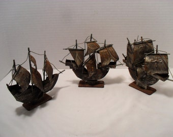 Set of 3 Small Metal Decorative Ships Ship Figurines Columbus' Fleet Boat Tin Nautical