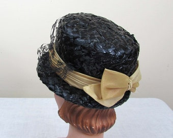 Black Straw Bucket Hat w/tan ombre band and bow - faux straw - 1960s