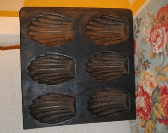 Old French iron MOULD for 6 MADELEINES (A)
