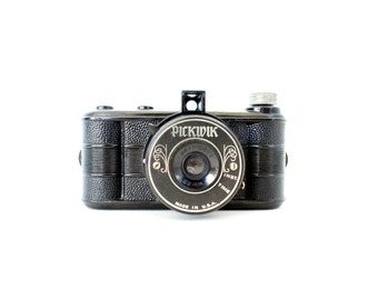 Vintage Pickwik 127 Film Camera
