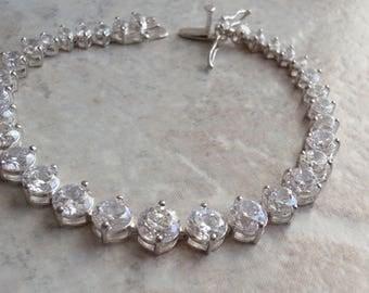 Tennis Bracelet Sterling Silver Clear CZs Graduated Vintage V0197