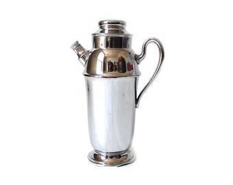 Vintage Silver Cocktail Pitcher ... Shelton Silver Shaker, Art Deco Barware, Hollywood Regency Happy Hour, Sexy Silverplate Drink Server