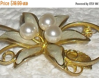 70% OFF MOVING SALE Delicate-- vintage 50s Shimmery Enamel ---And Faux Pearl --Flower Brooch