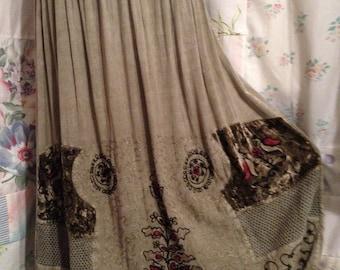 MED/LARGE, Skirt Embroidery Bohemian Hippie Boho Flowerchild Light Olive Green Skirt