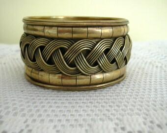 VIntage Boho Ethnic Style Brass Metal Intertwined Braided Braid Effect Bangle Bracelet Cuff