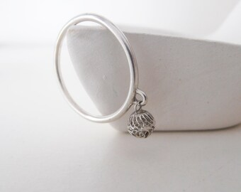 Vintage Filigree Bead - white - sterling silver ring