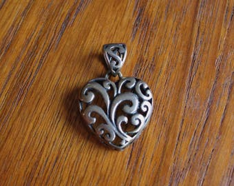 Vintage MEXICO Sterling Silver Cut Out Filigree Heart Pendant