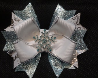 Snowflake inspired hairbow, Light blue, white, and silver 4 inch boutique bow