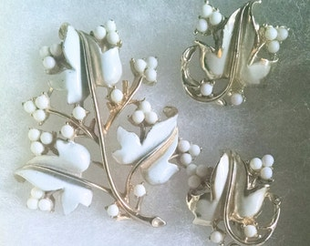 Coro Earrings and Brooch Set Ivory Enamel Leaves and Berries Gold Tone Christmas Gift Ideas