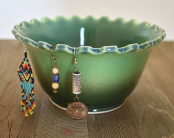 Jewelry Holder - Jewelry Bowl - Unique Bowl - Green Bowl - Earring Bowl -  Earring holder - Home Decor - Trinket bowl - Candy dish