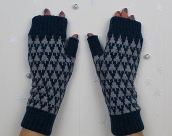 Knitted fingerless mitts / gloves in teal colour geometric arrow design - made in Great Britain from 100% lambswool