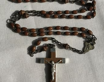 Vintage Wood Beaded Crucifix Necklace/Rosary