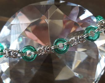 Byzantine Chainmaille Bracelet with Green O-Beads