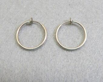 Vintage Pierced Look Hoop Clip On Earrings