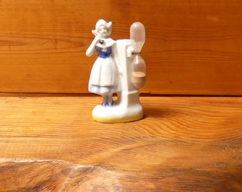 Early 1940's Rare Collectable Ceramic Figural Dutch Girl Hourglass Kitchen Egg Timer