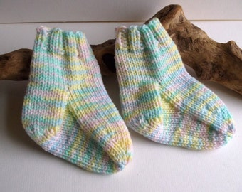 Hand knitted self patterning baby girls or boys socks. 9 to 18 months. UK 3  EU 19  US 3.5 Unisex. Pastel shades