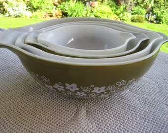Pyrex Spring Bouquet Nesting Bowl Set, 4 Piece Set