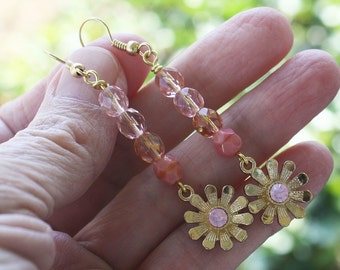 DaisyFlower Earrings, Pink Earrings, Czech Glass, czech earrings, floral earrings, pink flower earrings, gold earrings, stocking stuffer