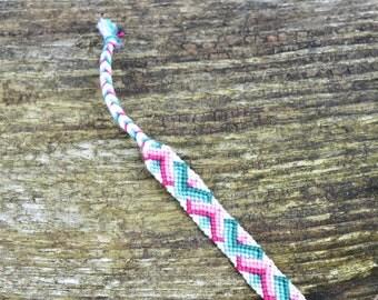 Colorful friendship bracelet, zigzag bracelet, cotton bracelet, zigzag friendship bracelet pattern, pink green bracelet (ready to ship)