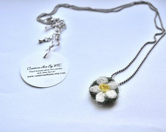 Felted Daisy Pendant Necklace