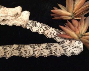 Vintage Handmade Ivory Cotton Filet Lace Trim,  Antique Lace, Lace Edging , Wedding Lace, Country Lace , Floral  Design Lace