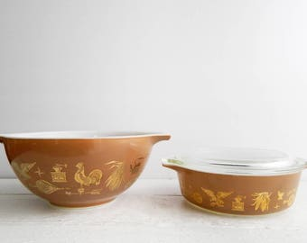 Vintage Pyrex Early American Set - 442  Bowl & 471 Covered Casserole Dish with Lid, Brown and Gold Patriotic Pattern