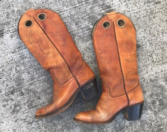 Tall tan womens vintage cowgirl heel boots size 6