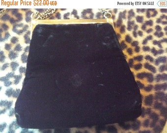 Christmas Sale Black Velvet Vintage Purse 1960's Collectible Accessories Mad Men Mod Rockabilly Mid Century Modern Black Tie Formal