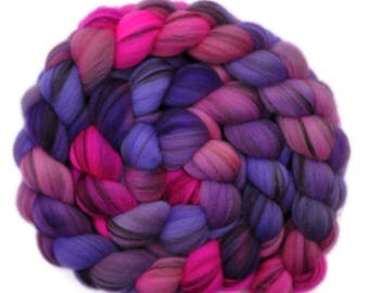 Hand painted roving - 21.5μ Merino wool spinning fiber - 3.9 ounces - Distant Relations 2