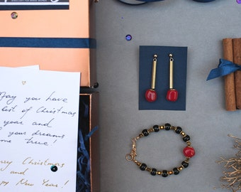 Magic BOX in RED bracelet and earrings by Pardes