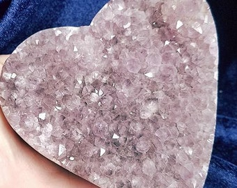 Large Amethyst heart~Protection~Purification~Divine connection~Release of addictions~Amethyst carving~Amethyst carved heart~Amethyst heart