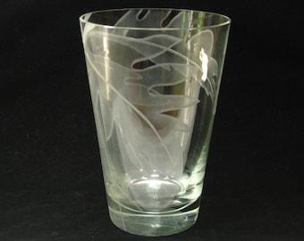 "Dorothy Thorpe Sand Carved Fern Leaf Etched 8"" Glass Vase - Signed DTC Mid Century Modern Decor"