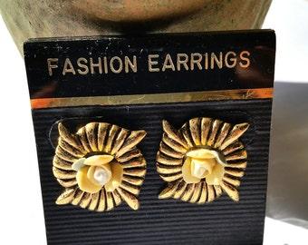 Vintage Rosebud Earrings, Victorian Style Posts