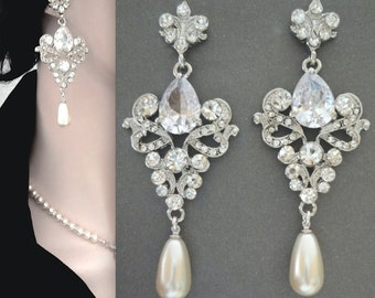 Pearl earrings - Fleur de lis ~ French ~ Royals ~ Exquisite ~ Vintage style ~ Brides earrings ~ Wedding jewelry ~ Long pearl earrings