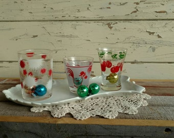 Vintage Collection of Mismatched Juice Glasses - Retro Collection of Kitchen Cups, Bud Vase, Toothbrush Holder, Glass Organizing Container