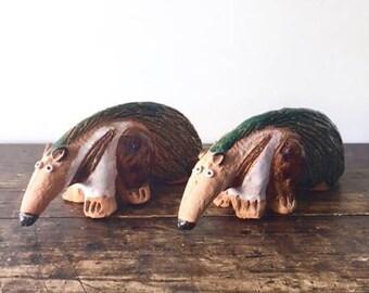 """Vintage Pair of 1976 Terracotta Aardvarks Anteaters 6.5"""" Figurines Enesco Rare"""