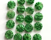 Vintage Glass Beads, 18 Pieces, Flower Beads, Beading Supplies, Vintage Jewelry Supplies, Emerald Green, B'sue Boutiques, 12mm, Item02631
