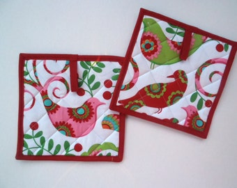 Christmas Doves Potholders, Quilted Hot Pads, Christmas Potholders, Quilted Trivet, Kitchen Decor, Set of 2