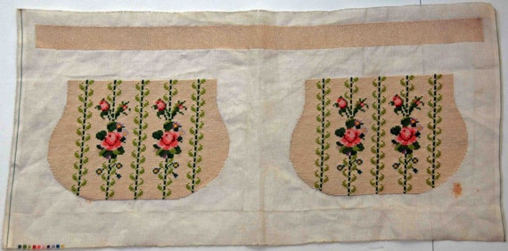 Antique Ca 1920s Hand Made Floral Silk Micro Petitpoint Purse Componets