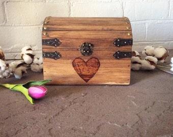 Small Keepsake Box with a heart