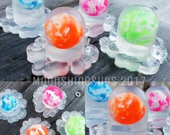 Octo-Suds - Octopus Soap - Bouncy Ball Toy Soap .